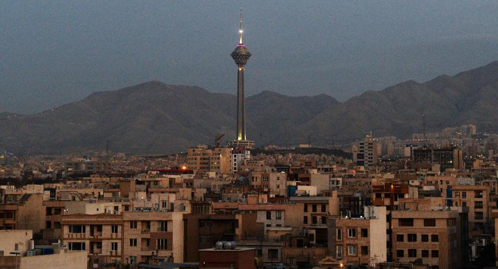 خانوادههای ایرانی کوچکتر میشوند