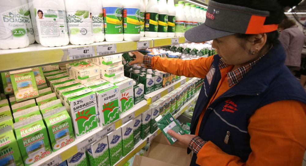 هشدار مقام ایرانی درباره افزایش 70 درصدی قیمت لبنیات