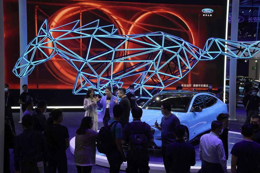 نمایشگاه بینالمللی خودرو در پکن الکتروکار فورد موستانگ