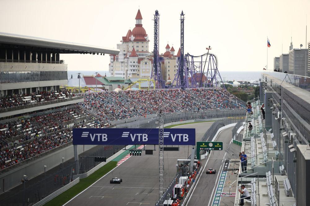 مسابقه خودرورانی فرمول 1 در سوچی