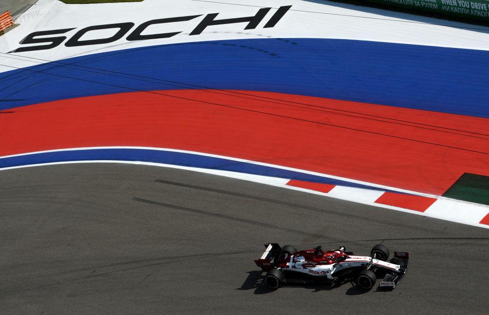 مسابقه خودرورانی فرمول 1 در سوچی کیمی رایکونن کاپیتان تیم «آلفا رومئو»