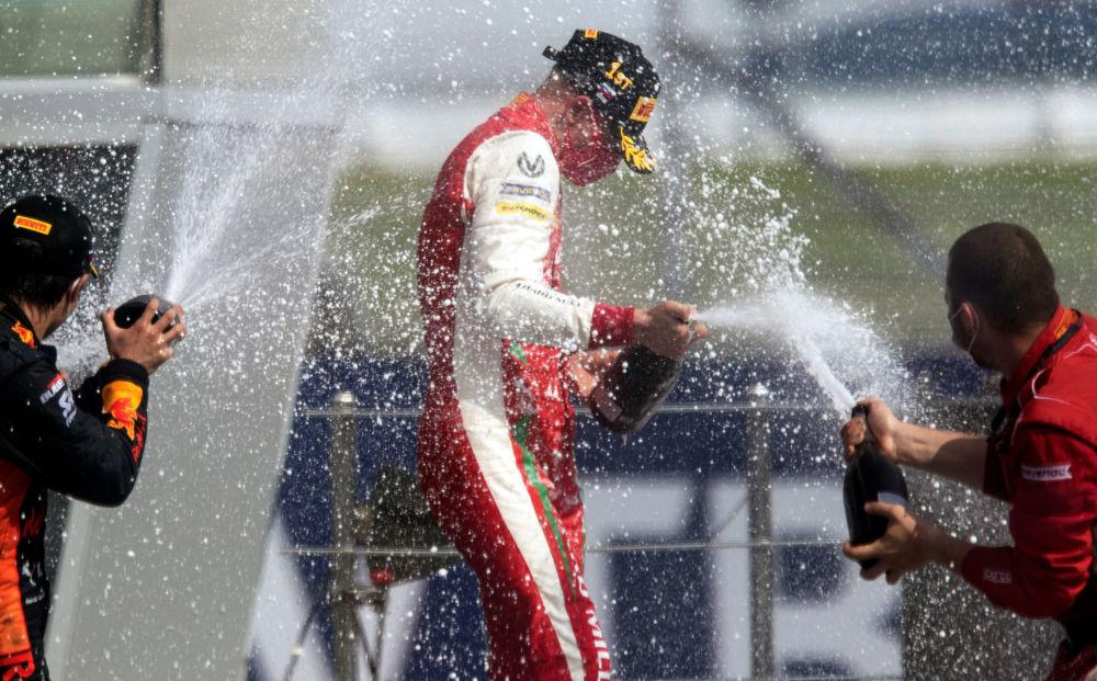 مسابقه خودرورانی فرمول 1 در سوچی میک شوماخر