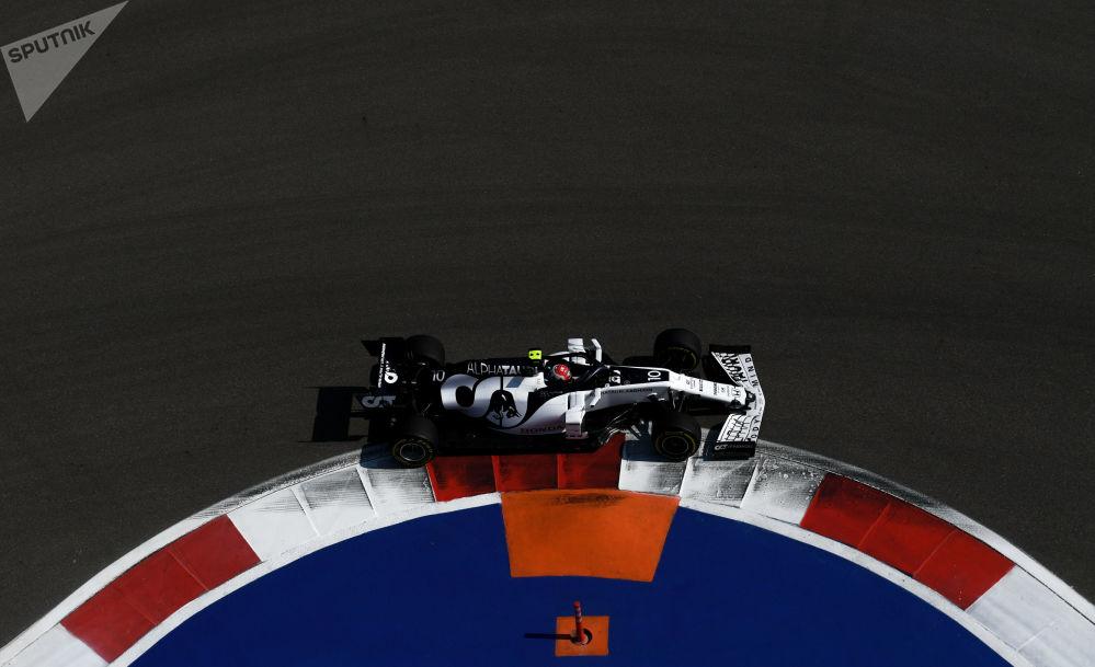 مسابقه خودرورانی فرمول 1 در سوچی پییرهاسلی کاپیتان تیم «آلفا تائوری»