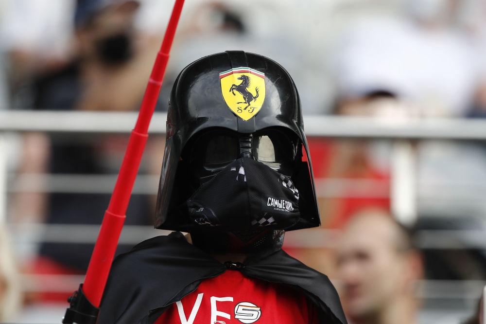 مسابقه خودرورانی فرمول 1 در سوچی طرفدار تیم «فراری »