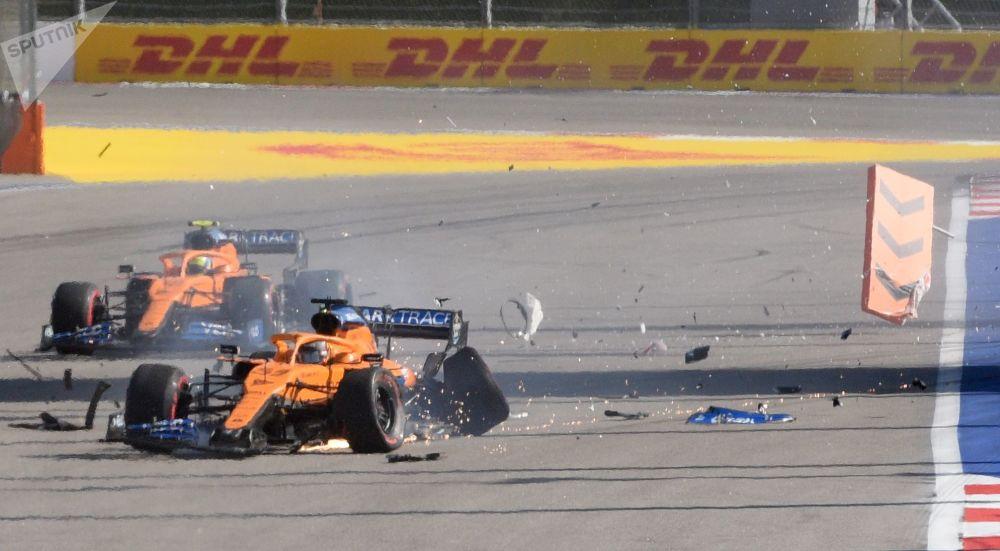 مسابقه خودرورانی فرمول 1 در سوچی کارلوس ساینز پسر از تیم «مکلارن»