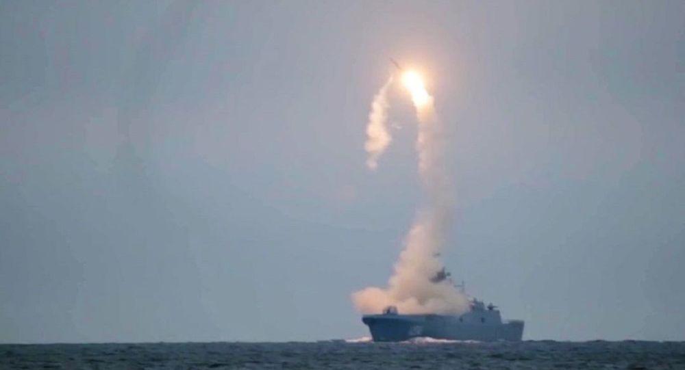 فوربس: ملکه الیزابت و موشک های هایپرسونیک ضد کشتی روسی در مدیترانه