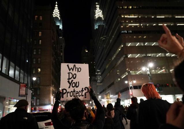 تظاهرات در نیویورک علیه ترامپ و آراء الکترال + ویدئو
