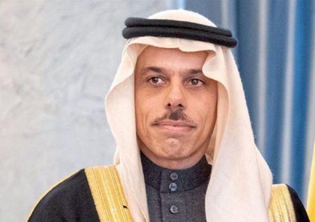 وزیر خارجه عربستان: از گفتگو با ایران استقبال می کنیم