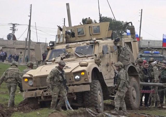 تایید حمله به مواضع آمریکایی در سوریه