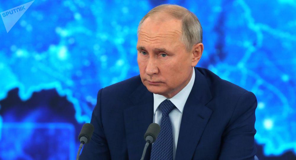پوتین: روسیه و ایران در زمینههای مختلف و از جمله تجهیرات نظامی همکاری دارند