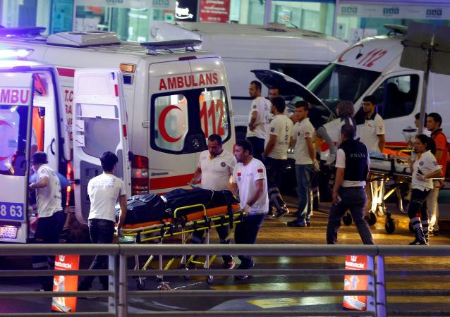 12 کشته در نتیجه آتش گرفتن اتوبوس حامل مهاجران غیرقانونی در ترکیه