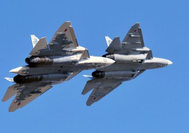 مذاکرات با مشتریان خارجی برای فروش جنگنده نسل پنجمی سوخو-57 آغاز شد