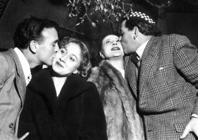 برگزاری جشن سال نو از لابلای آرشیوها پاریس 1951 میلادی