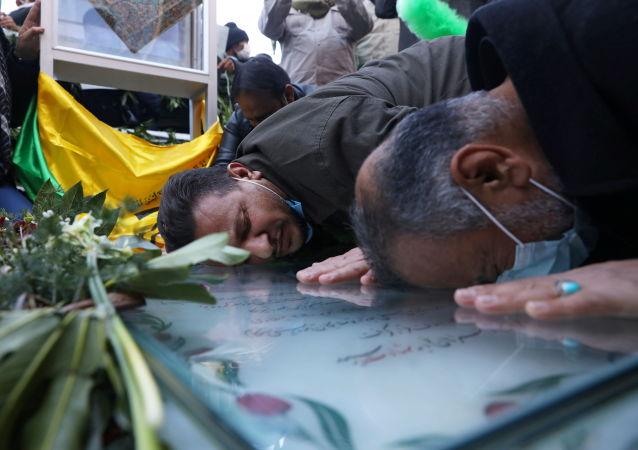 قبر شهید سلیمانی در کرمان ایران
