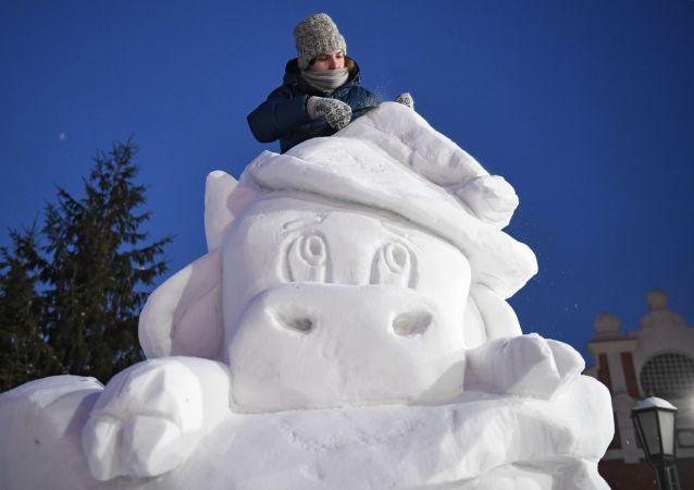 فستیوال مجسمههای برفی و یخی سیبری