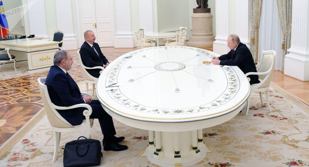 علی اف از نقش پوتین در حل و فصل مناقشه در قره باغ قدردانی کرد