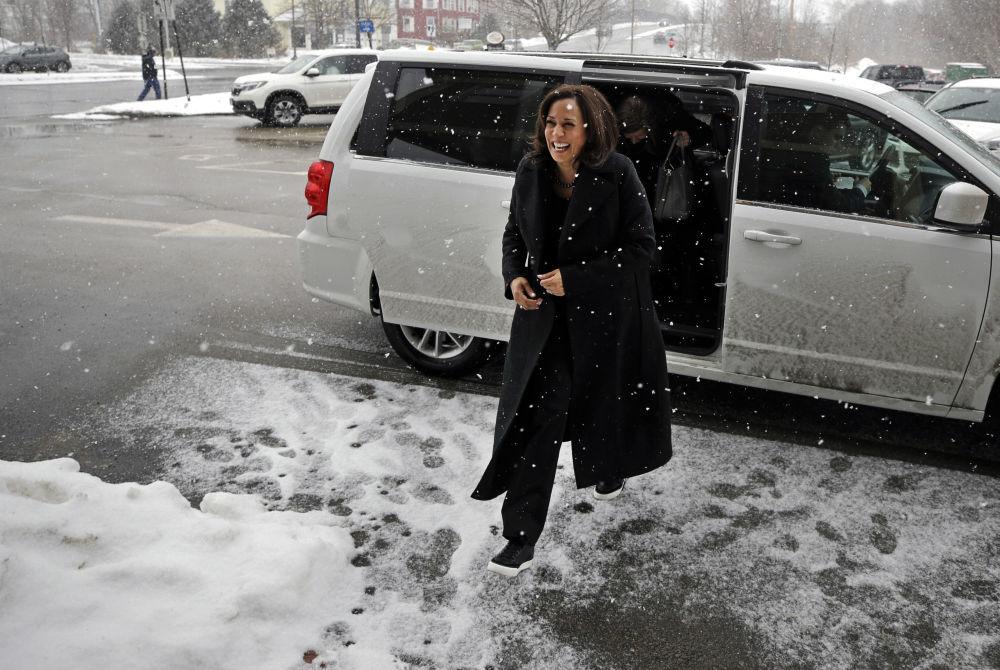 کامالا هریس، نخستین زن در سمت معاون رئیس جمهوری آمریکا دوستدار مروارید و کفش کتانی