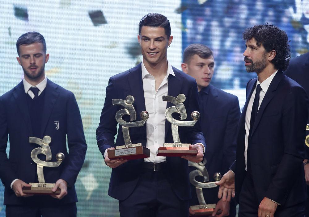 کریستیانو رونالدو در مراسم جایزه فوتبال گران گالا در میلان