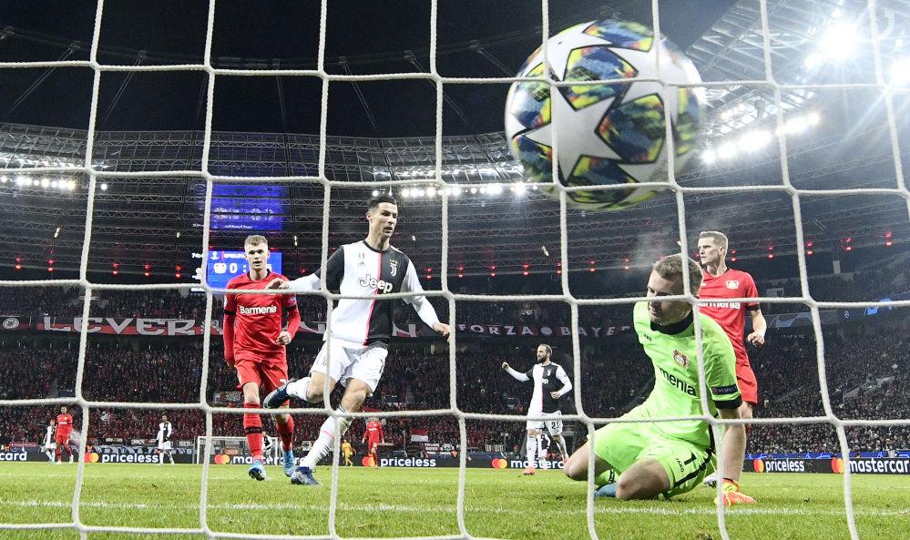 کریستیانو رونالدو در لیگ فوتبال ایتالیا اولین گل خود را برای یونتوس می زند