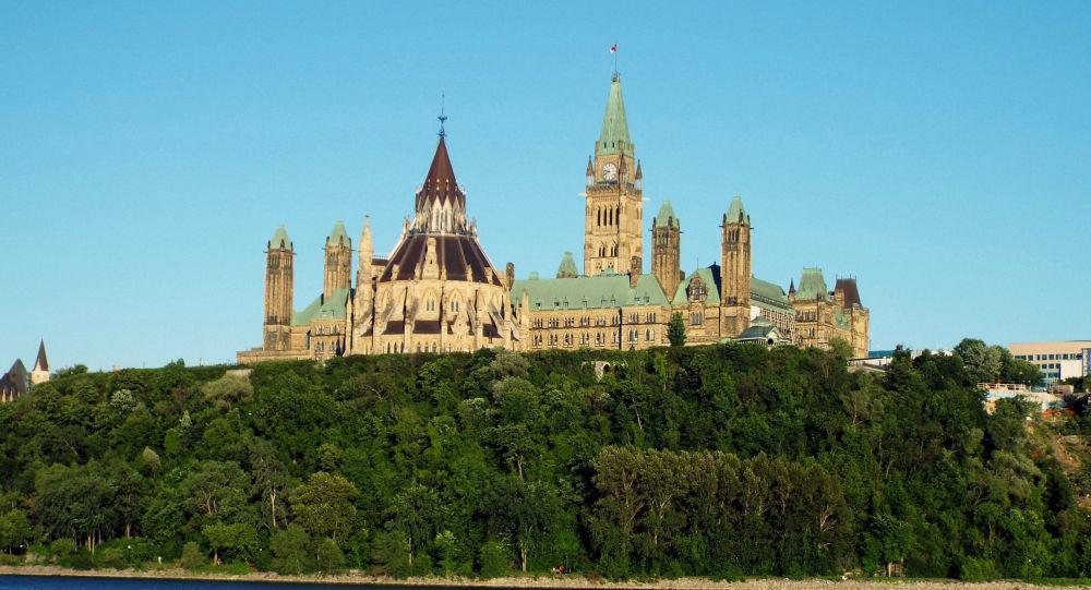کانادا در حال مطالعه فایل صوتی سخنان احتمالاً متعلق به وزیر خارجه ایران است