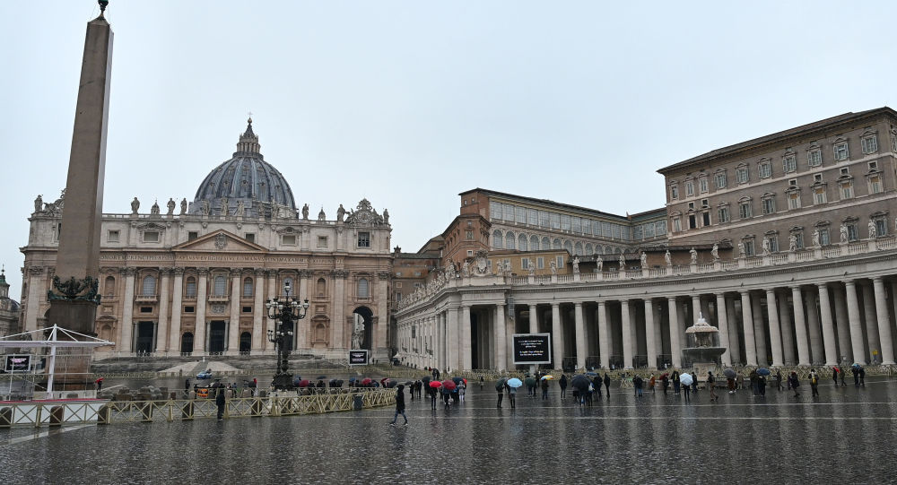 واتیکان: پاپ فرانسیس در دیدار با آیت الله سیستانی بر اهمیت همکاری تأکید کرد