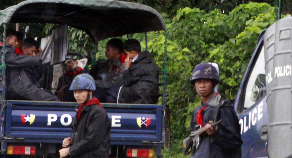 گلولهباران مرکز فرهنگی آمریکا در میانمار