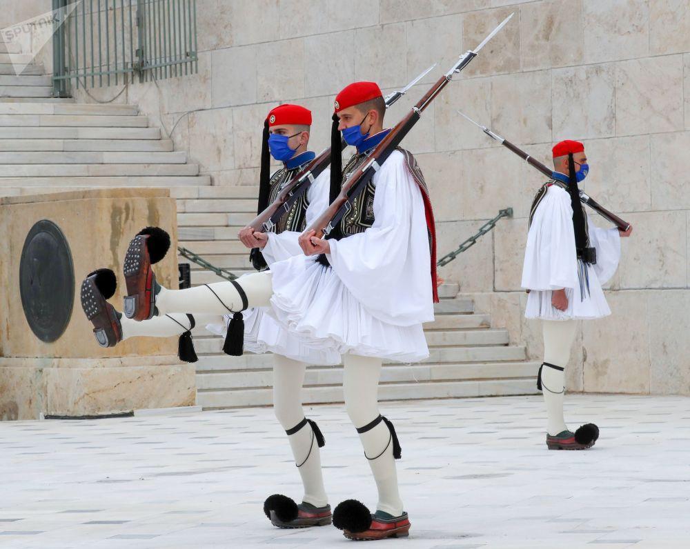 حوادث و رویدادهای جهان گارد افتخار در آتن