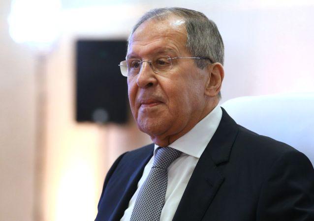 لاوروف: روسیه به آنچه در خاک افعانستان جریان دارد، واکنشی نشان نمی دهد