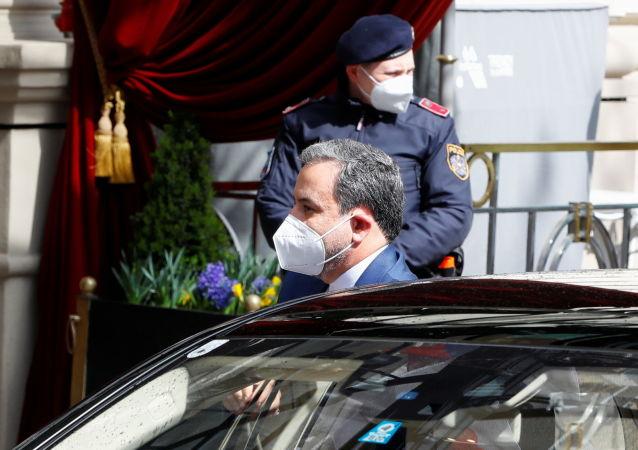 ایران  باید تکلیفش را روشن کند، نه اروپا