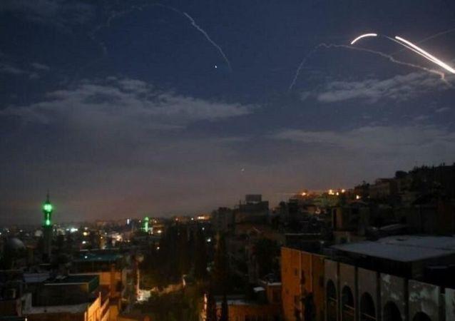 پدافند هوایی سوریه 7 موشک شلیک شده از جنگنده اسرائیلی را منهدم کرد