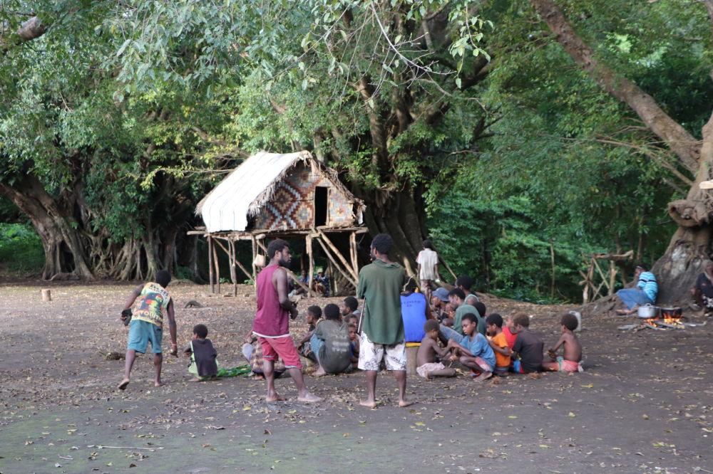 مردم این قبیله شاهزاده فیلیپ رامی پرستیدند