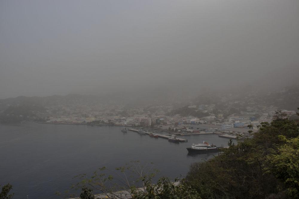 فوران کوه اتشفشان لا سوفیر در جزیره سنت وینسنت دریای کارائیب