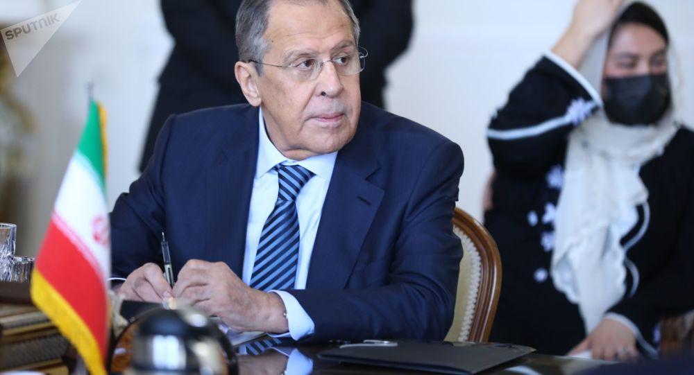 مسکو بر لغو تحریم های ضد ایرانی آمریکا اصرار دارد