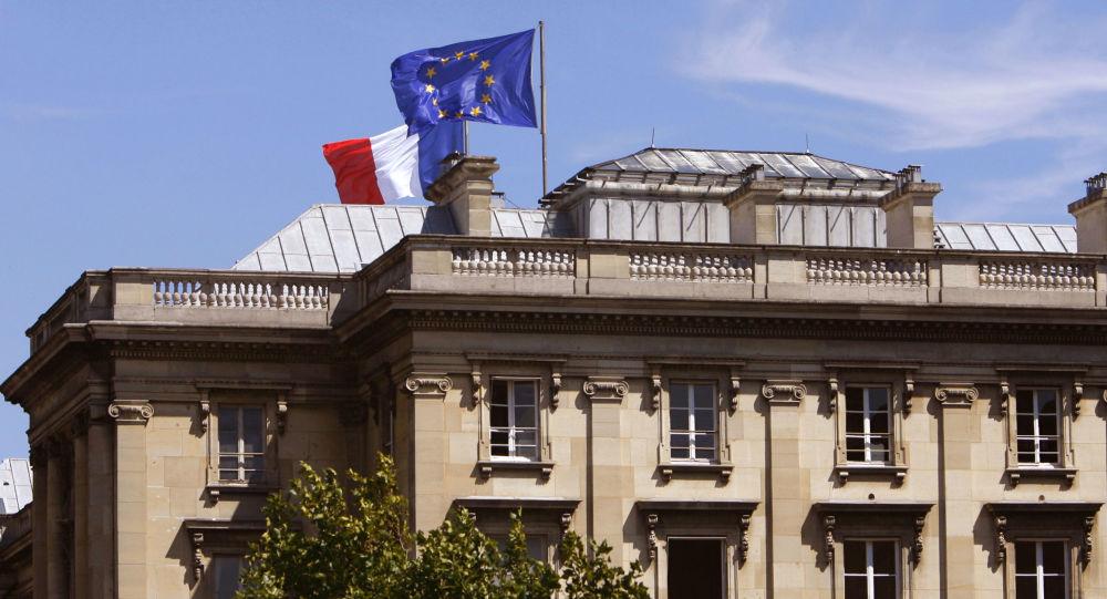 فرانسه: فسخ قرارداد زیردریایی از سوی استرالیا تضعیف اعتماد در تمام اروپاست