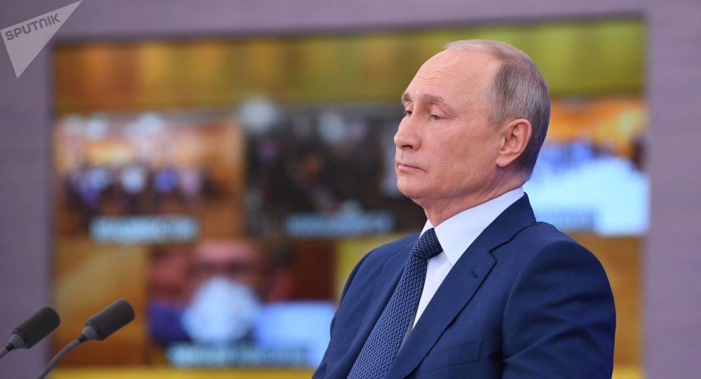 پوتین: چندین نفر از اطرافیانم به کرونا مبتلا شدند