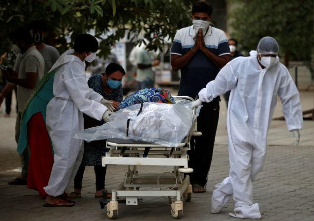 ویروس کرونا در بدن یک زن روس 318 روز زندگی کرد