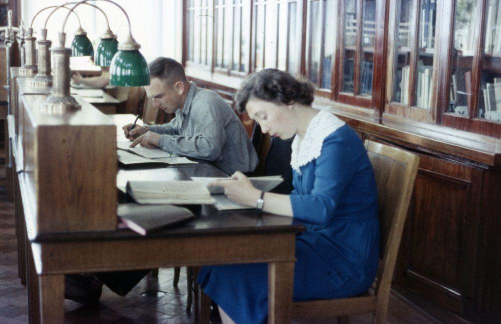 روسیه شوروی از پشت دوربین پروفسور آمریکایی کتابخانه دانشگاه دولتی مسکو به نام لومونوسف