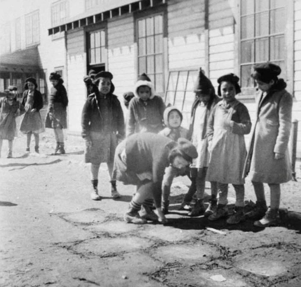 مدارس کانادایی برای ساکنان بومی سال 1947 میلادی