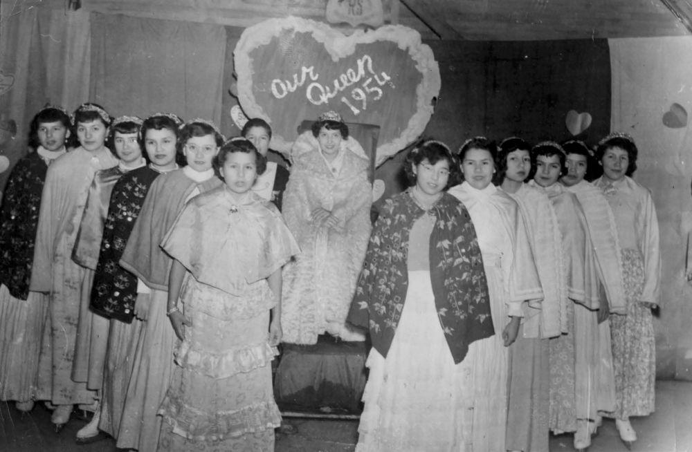 مدارس کانادایی برای ساکنان بومی سال 1954 میلادی، مسابقه ملکه زیبایی