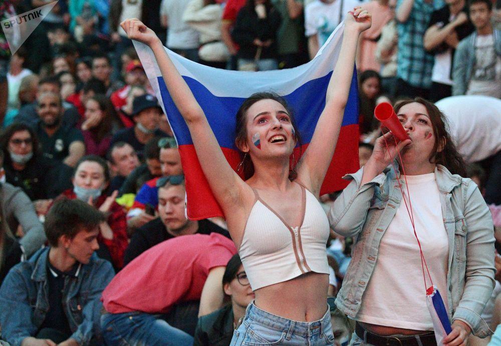 هواداران جام ملت های اروپا 2020 میلادی بازی بلژیک - روسیه