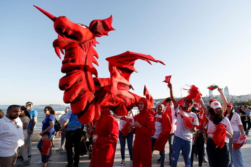 هواداران جام ملت های اروپا 2020 میلادی بازی ترکیه - ولس
