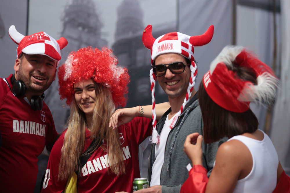هواداران جام ملت های اروپا 2020 میلادی بازی دانمارک - فنلاند