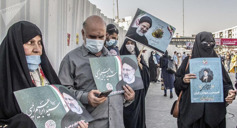 تنها چیزی که مردم ایران از رئیسی می خواهند