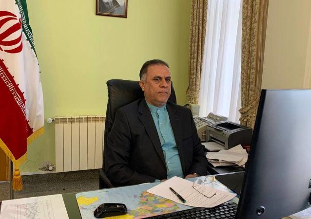آقای دکتر مهدی آکوچکیان، سرکنسول محترم جمهوری اسلامی در آستراخان