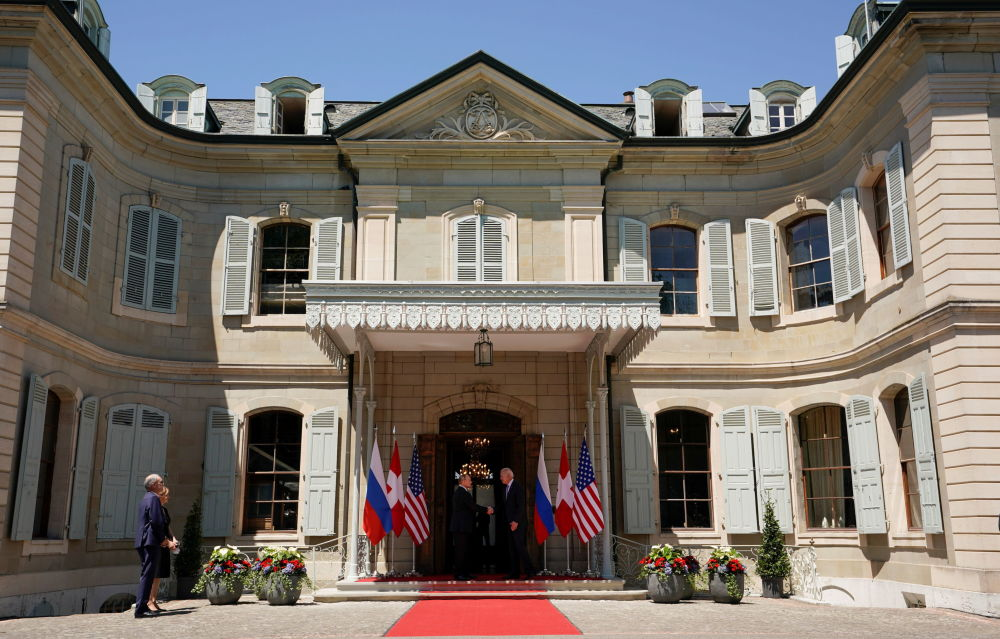 ولادیمیر پوتین، رئیس جمهور روسیه و جو بایدن، رئیس جمهور ایالات متحده در ژنو