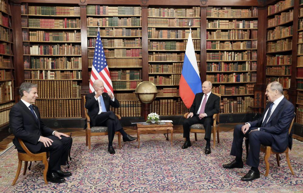 دیدار ولادیمیر پوتین، رئیس جمهور روسیه و جو بایدن، رئیس جمهور ایالات متحده در ژنو