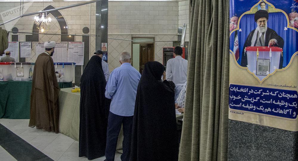 زمان اخذ رای گیری ریاست جمهوری ایران تا ساعت ۲۱ تمدید شد