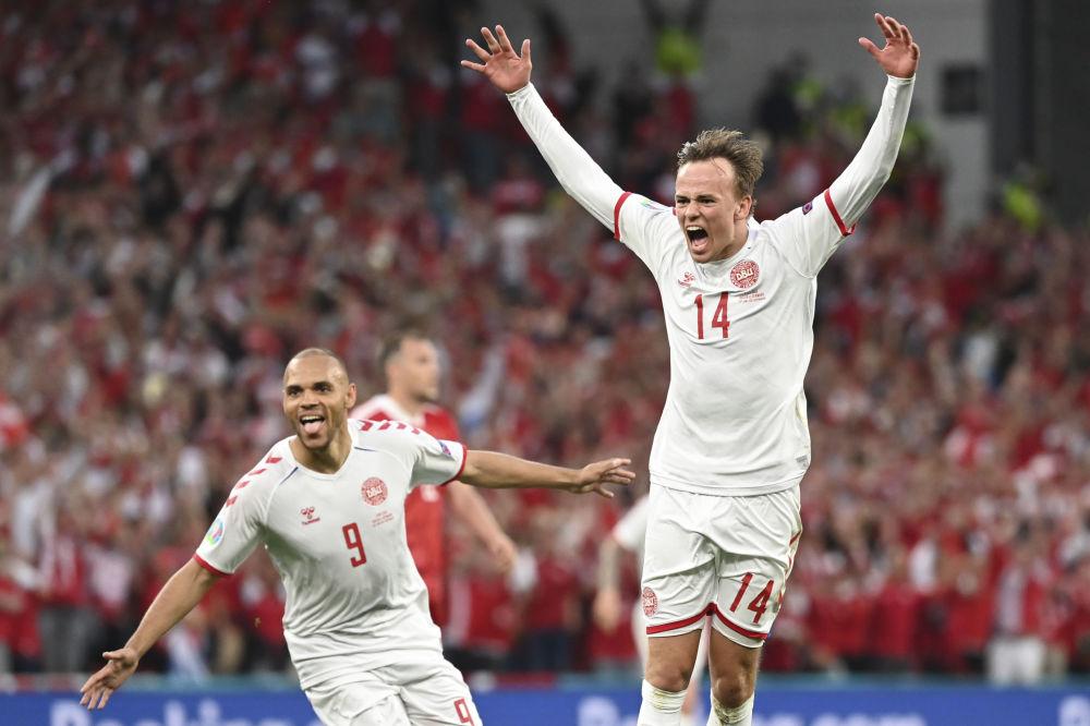 رقص های فوتبالی در جام اروپا میکل دامسگارد دانمارکی