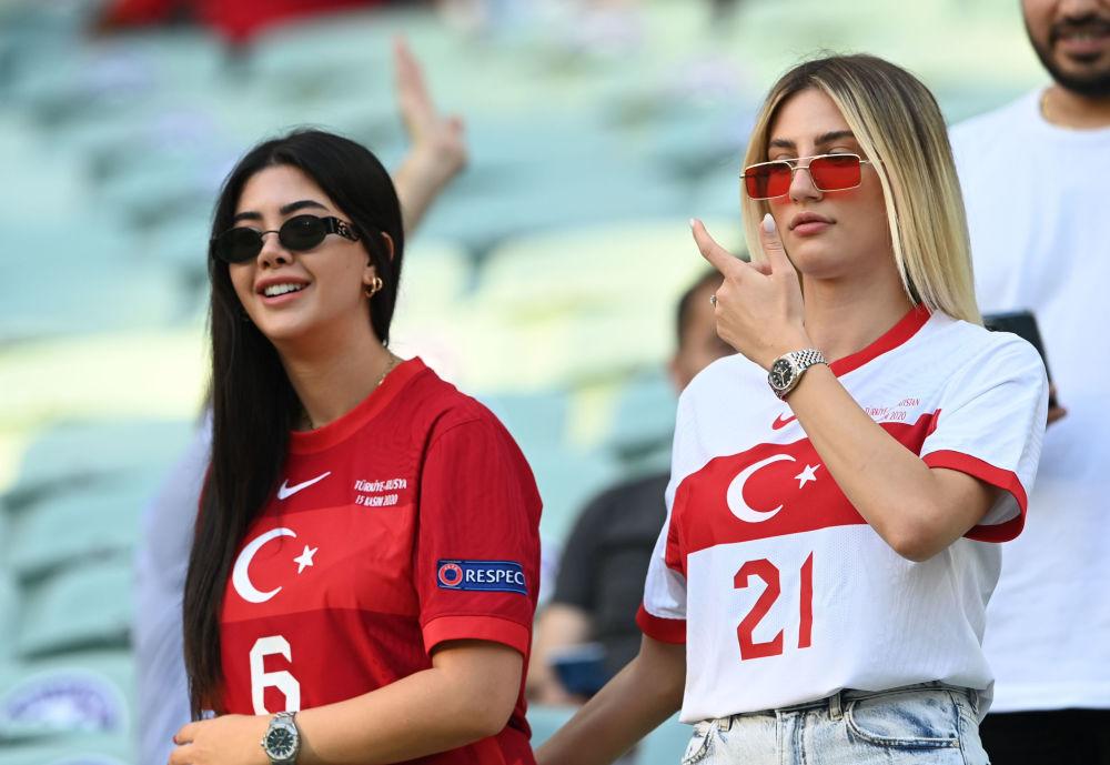 طرفداران تیم ترکیه در مسابقات یورو ۲۰۲۰