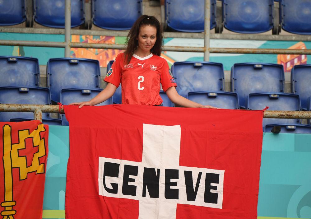 طرفدار تیم سوئیس در مسابقات یورو ۲۰۲۰